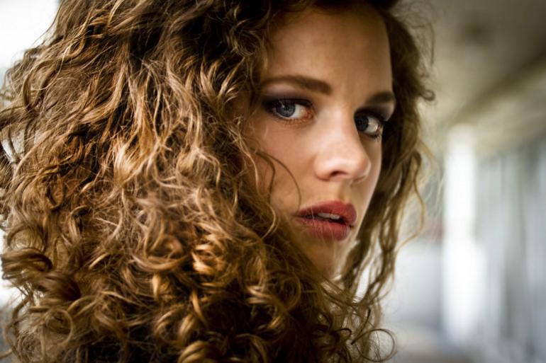 Top Les conseils de pros pour les cheveux bouclés, frisés ou permanentés LW56